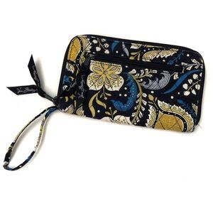 Vera Bradley Quilted Fabric Wristlet Money Wallet